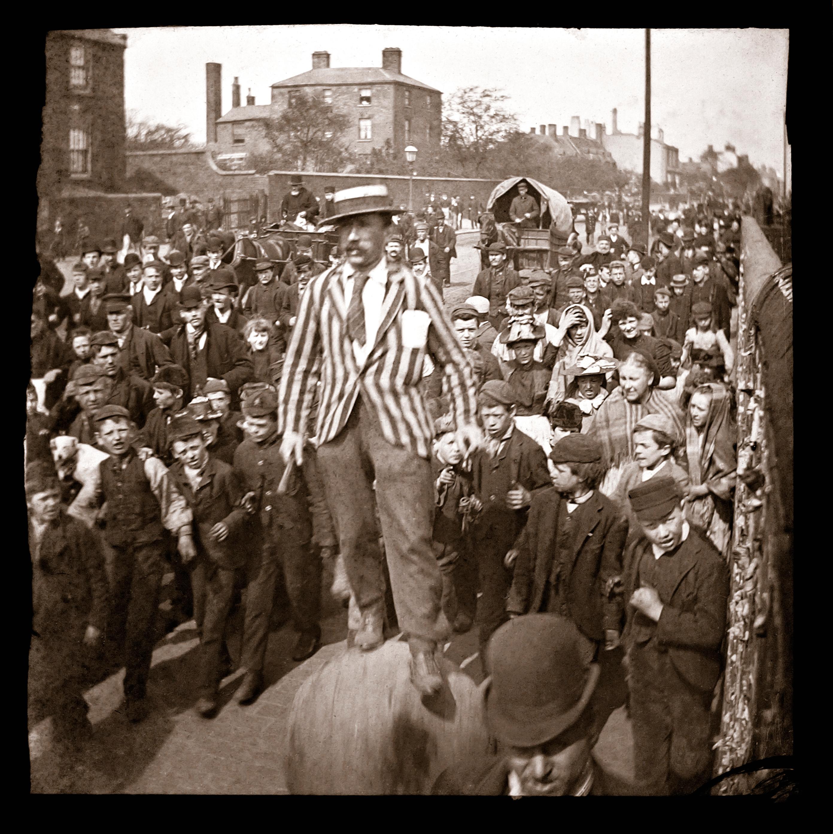 Victorian-Street-Scene-Web-Background